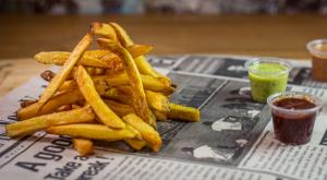 Frites fraiches Cheddar Oignons Grillés